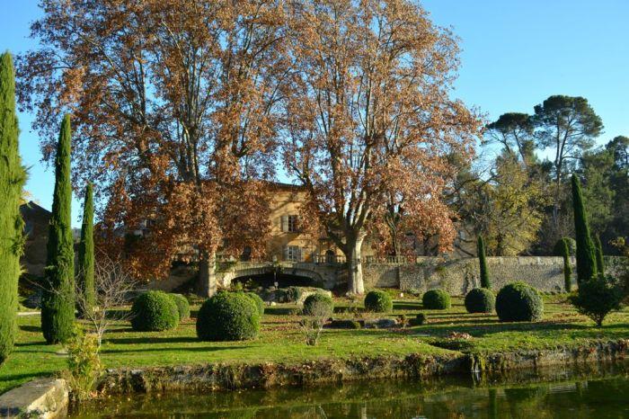 "Château la Canorgue, fall, vinyard, movie ""A Good Year"""