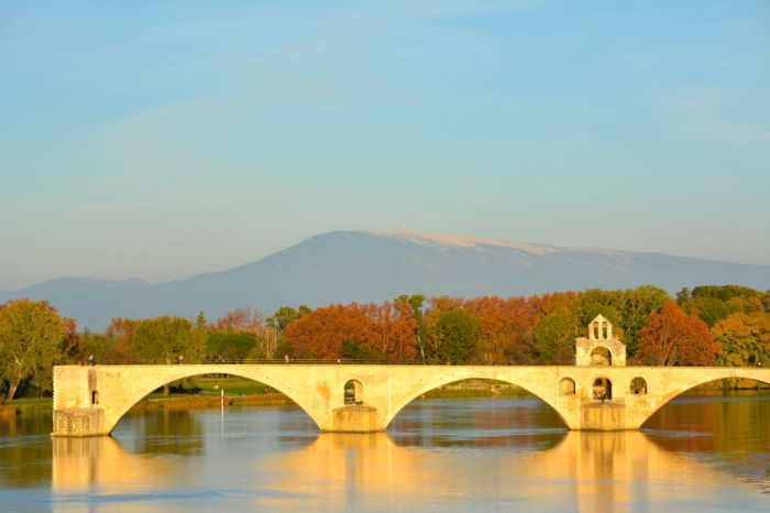 Postcard Of The Day Sur Le Pont D Avignon White Postcards
