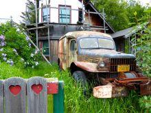 I heart rusted trucks