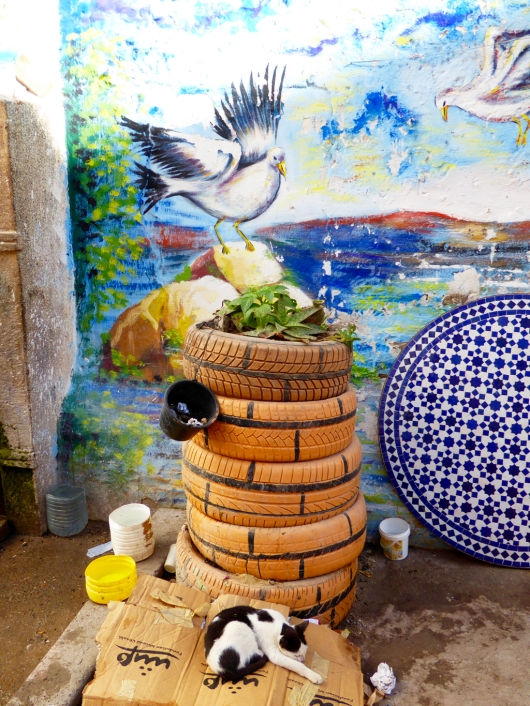 Mural and recycled tires in Essaouira